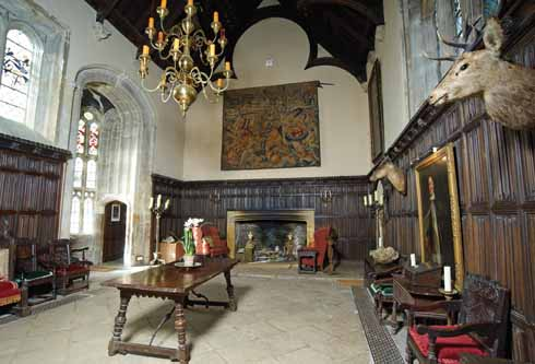 Great Hall, Credit: http://www.dorsetlife.co.uk/2011/04/athelhampton-house/
