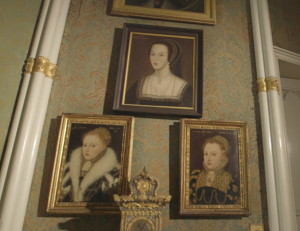 portraits at colnony castle